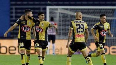 Conmebol suspende la primera semifinal entre Coquimbo y Defensa por Covid-19