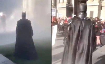 Crónica / ¡Batman en el Capitolio! ojagarrapa redes sociales