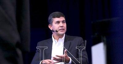 """La Nación / """"Este es un gobierno que sigue cogobernando con la oposición"""""""