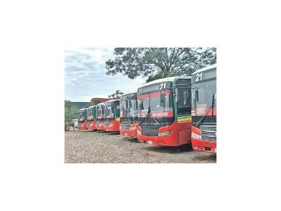 Línea 21, sancionada por regular buses
