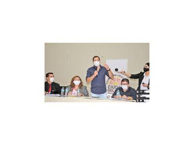Comuna  de CDE anula acuerdo de reincorporar a  destituidos en  2001
