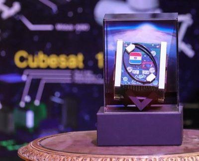 Paraguay presentó su primer satélite espacial