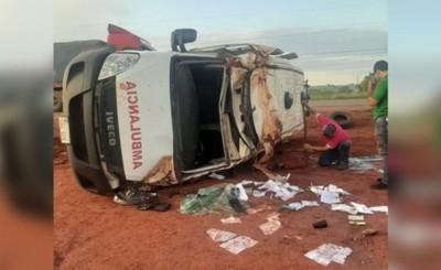 Niña muere tras vuelco de ambulancia que la trasladaba a Asunción