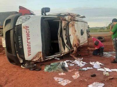 Niña derivada desde Alto Paraná murió en vuelco de ambulancia