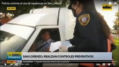 Policía entrega tapabocas en las calles, pero advierte que luego se vienen las multas