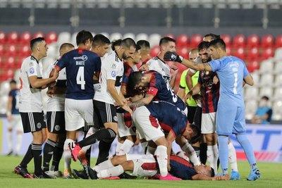 'En cancha no nos ganaron un clásico', disparó 'Popi' Muñoz