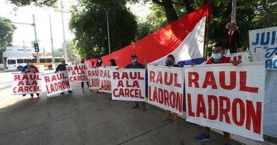 La Nación / Ciudadanos piden renuncia del intendente de San Antonio