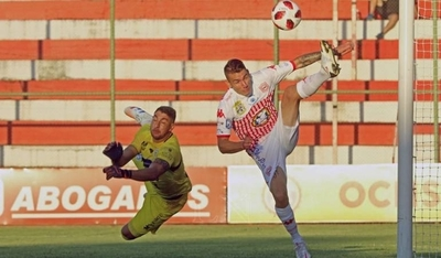 HOY / 'La Fuga' Giménez llega al Sportivo Luqueño