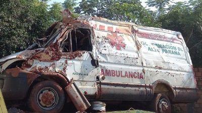 Vuelco de ambulancia: murió una niña de 7 años que era trasladada