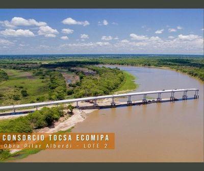 Puente en ruta Alberdi – Pilar a pocos metros de conectar ambas orillas del Tebicuary