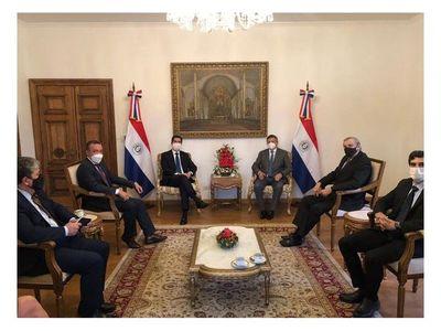 Gobierno argentino gestiona llegada de la vacuna rusa a Paraguay