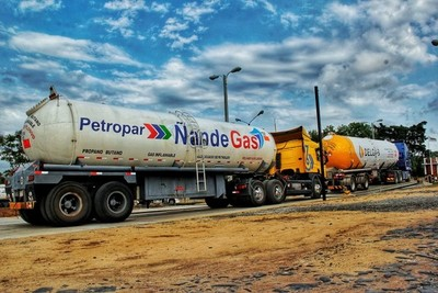 Petropar niega irregularidades en la compra de gas vía excepción