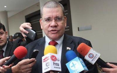 Senador pide investigación para casos de corrupción denunciados en el Gobierno