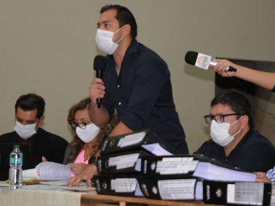 """Gremios aseguran que el   intendente Prieto """"miente"""" y confunde a esteños"""