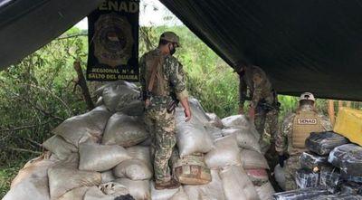 Incautan más de 8 toneladas de marihuana en campamento narco en Canindeyú