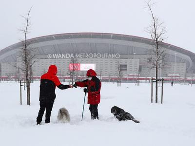 La nieve obliga a suspender el partido entre Atlético de Madrid y Athletic Club