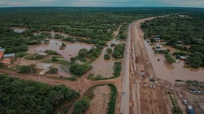 Prohíben circulación de camiones pesados en Loma Plata por inundaciones