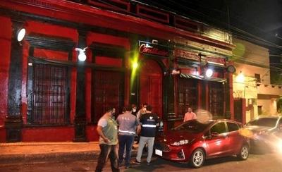 HOY / Controlan locales nocturnos para exigir el cumplimiento del protocolo sanitario
