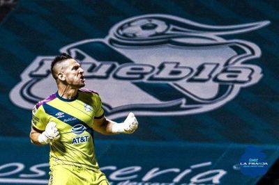 Antony Silva se estrena con empate en Puebla