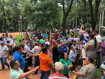 Extrabajadores excluidos del pago de deuda en la comuna esteña anuncian movilizaciones