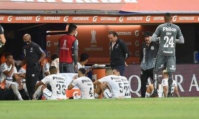 Dos que participaron de la 'semis' Boca-Santos tienen Covid-19