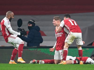 Arsenal despacha al Newcastle en el alargue