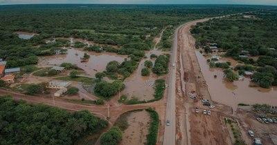 La Nación / El agua empieza a bajar en el Chaco y el tránsito vehicular se restablece
