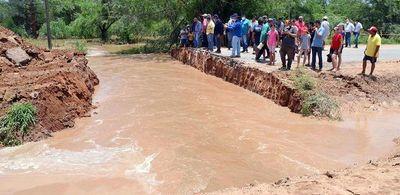 Cortan la Transchaco para desaguar zona, tras lluvias
