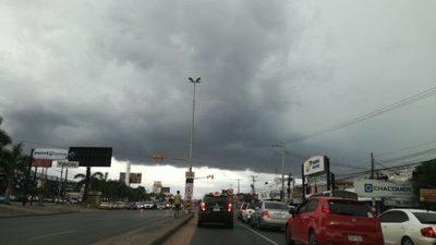 Anuncian un domingo con precipitaciones