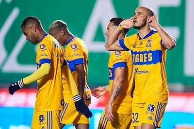 HOY / El paraguayo González anota en victoria de Tigres sobre el campeón León