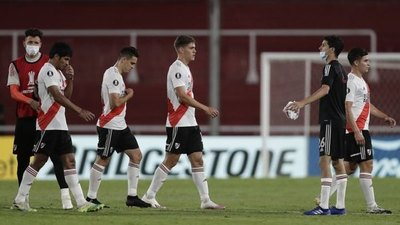 Con Robert Rojas, River cayó ante Independiente y se despidió de la Copa Diego Maradona