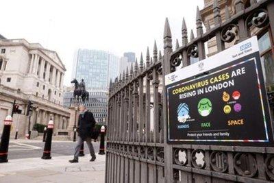 Alerta en Reino Unido: el sistema sanitario colapsará en tres semanas si no caen los casos de coronavirus