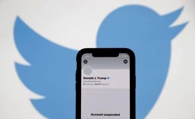 """HOY / Trump, suspendido """"de por vida"""" en Twitter: ¿medida acertada o censura a la libertad de expresión?"""