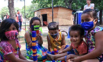 Festejo de Reyes con niñas y niños víctimas del incendio en la Chacarita
