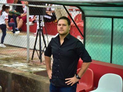 Daniel Farrar, presentado en su nuevo club