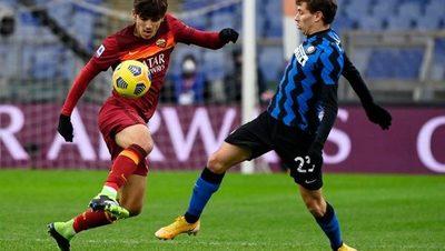 Roma e Inter empatan en el clásico y benefician al líder Milan