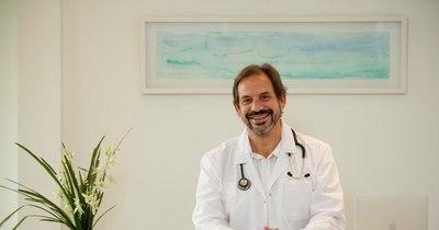 """La Nación / Dr. Alejandro Ayala: """"En solo 8 meses se logró sacar las vacunas, es como llegar a Saturno"""""""