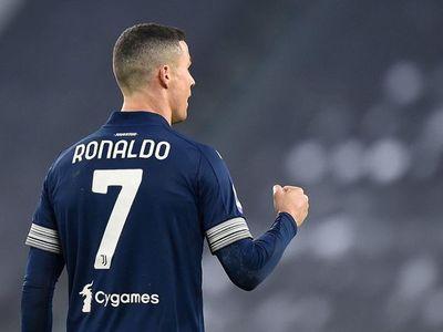 Juventus triunfa en partido histórico de Cristiano Ronaldo