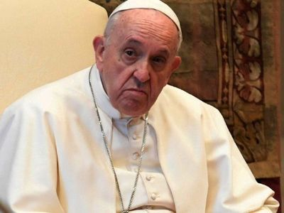 Papa pide unidad a la clase política ante la crisis y condena el aborto
