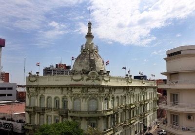 Hacienda transfirió G. 2,4 billones a municipalidades y gobernaciones al cierre del 2020