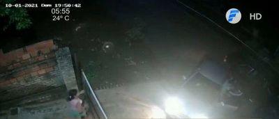 Lambaré: Llegó a su casa, fue interceptado y le robaron su auto