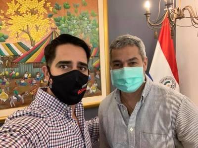 Juan Pereira se muestra con el presidente de la República