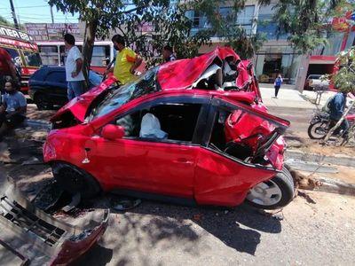 Camión perdió el control y chocó a ocho vehículos