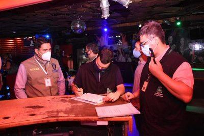 Intensos controles en locales nocturnos de San Bernardino