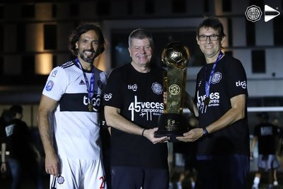 Olimpia recibe las felicitaciones de FIFA por el título del Clausura