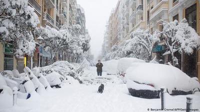 Histórica nevada paraliza Madrid