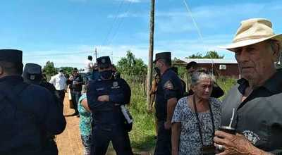 Pobladores se movilizan en contra de instalación de antena