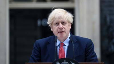 Advierten sobre un bloqueo más difícil en Reino Unido si reglas no se cumplen