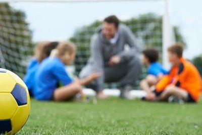 Piden que vuelvan las prácticas en las escuelas de fútbol · Radio Monumental 1080 AM