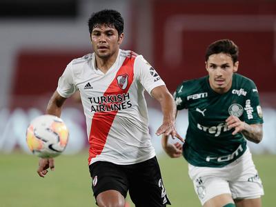 Palmeiras va por su quinta final y River por la hazaña